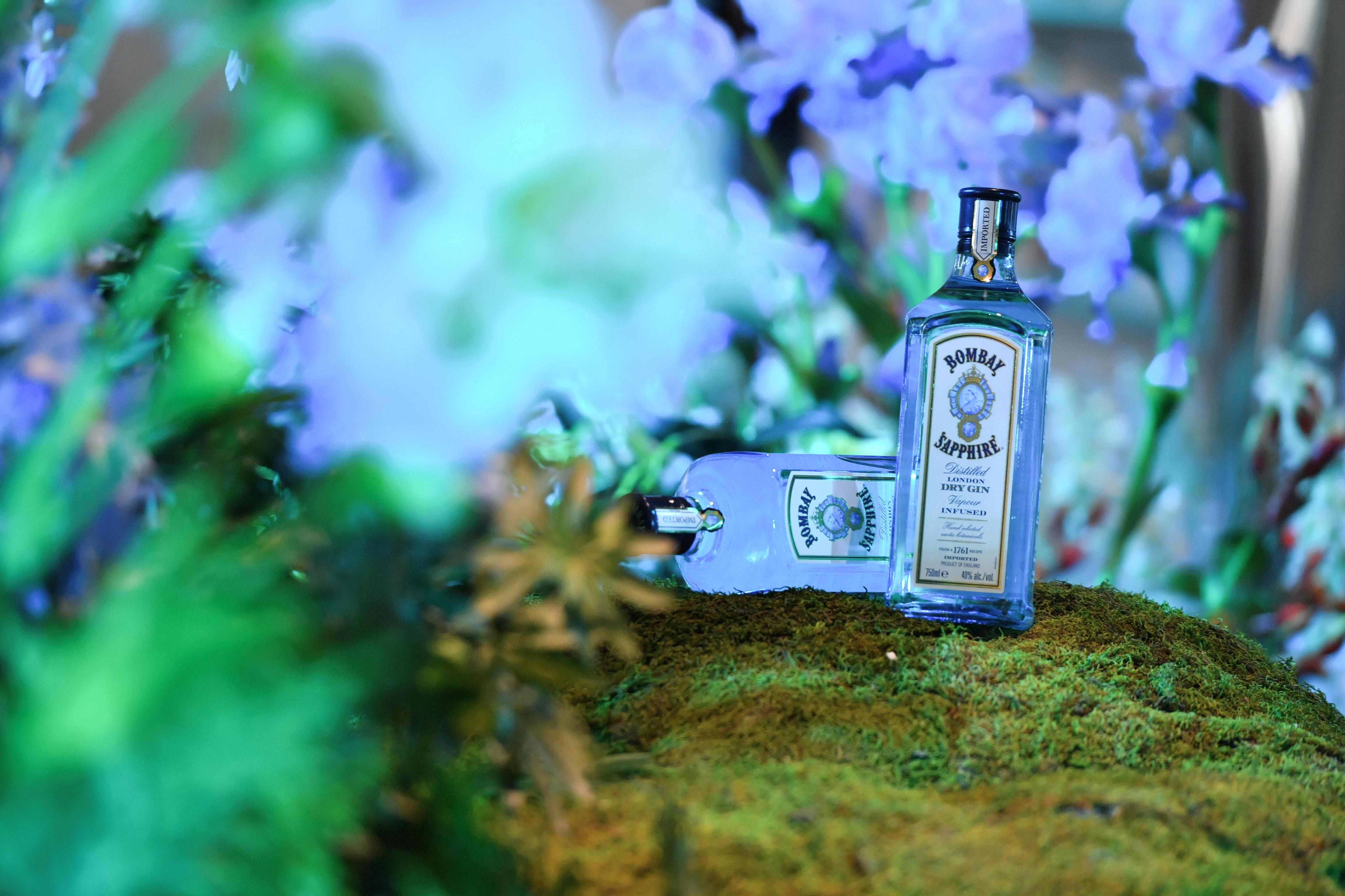 """""""造趣衡生""""释放无限创造力:Bombay Sapphire孟买蓝宝石打造全新创意沉浸式艺术空间「无所不创,造趣BAR」限时亮相上海"""