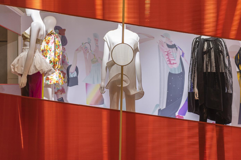 2021秋冬上海时装周:Visa携手多方合作伙伴,赋能女性新力量